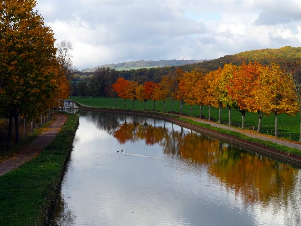Burgundy canal, 11-10