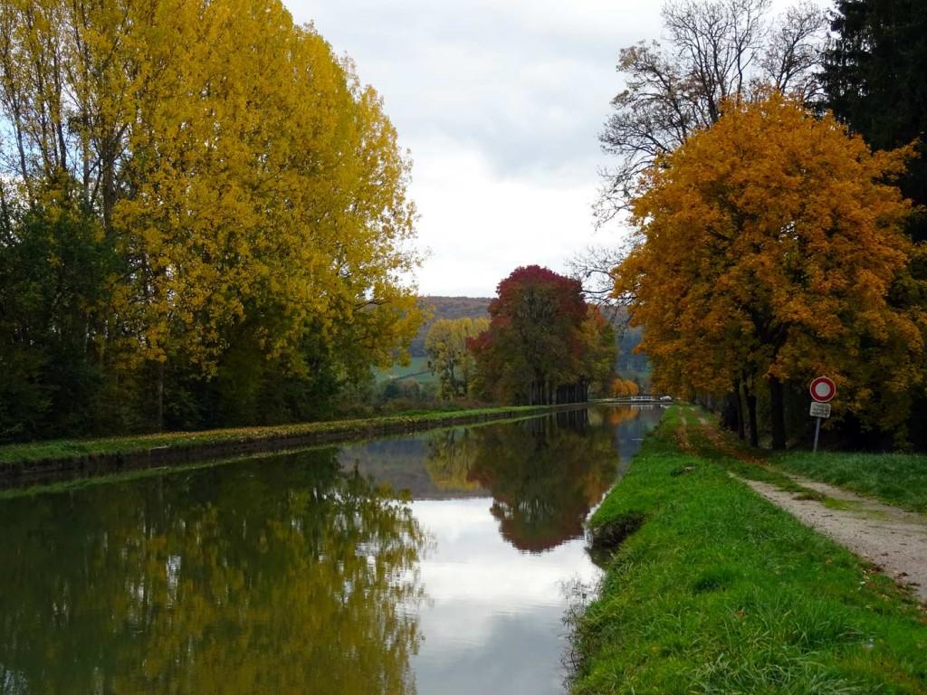 Burgundy-canal lock 11 - 12